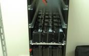 Заповнення шафи батареями